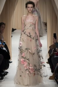 hill-country-weddings-style-valentino-spring2015-runway-421
